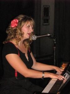 LB_playing_piano_-_Smoke_Baby_1284050342